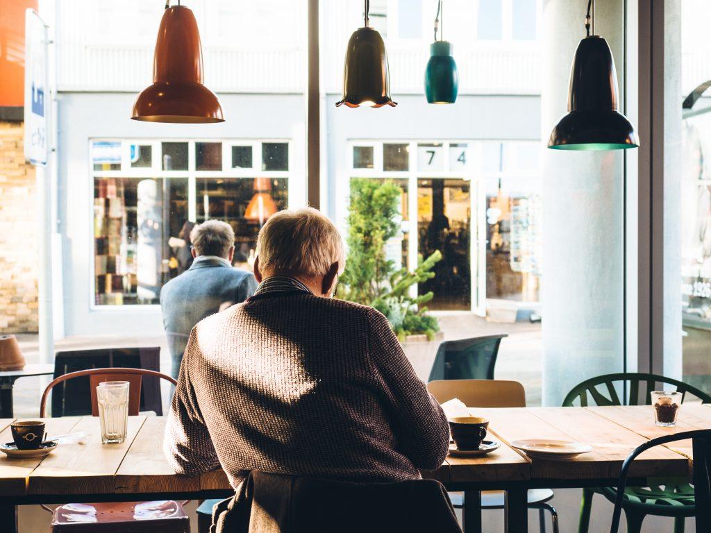 Zaoszczędzony czas poświęć temu co jest naprawdę ważne w biznesie - relacjom z drugą osobą